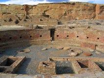 Большее kiva Chetro Ketl на каньоне Chaco стоковое фото rf