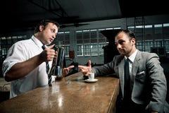 Больше кофе для клиента Стоковые Фотографии RF