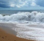 большие волны берега Стоковое Изображение RF