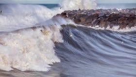Большие волны на Donostia стоковое изображение