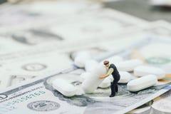 Большие деньги в шине здравоохранения, медицинских или фармацевтической промышленности Стоковое Изображение