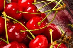 большие зрелые красные вишни Стоковая Фотография RF