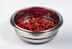 большие зрелые красные вишни Стоковые Изображения