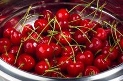 большие зрелые красные вишни Стоковое Фото