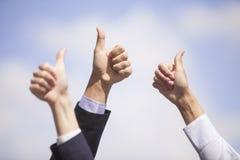 Большие пальцы руки вверх. Стоковое Изображение RF