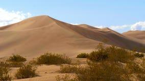 Большие песчанные дюны в пустыне Невады сток-видео
