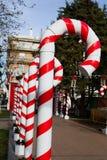 Большие пластичные трубки как тросточки конфеты для рождества стоковые изображения rf