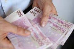 большие подсчитывая евро Стоковое Изображение