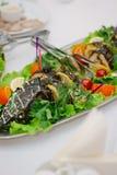Большие рыбы на таблице во время события ресторанного обслуживании доставка с обслуживанием шведского стола Стоковая Фотография