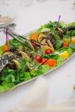 Большие рыбы на таблице во время события ресторанного обслуживании доставка с обслуживанием шведского стола Стоковое фото RF