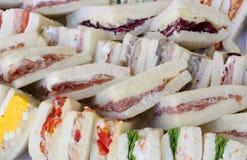 Большие сандвичи с плоским салями хлеба и bolied яичками Стоковое Фото