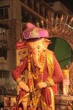 Большие статуи благословения Ganesha в шествии стоковая фотография rf