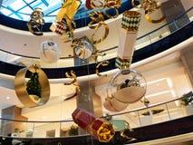 Большие украшения рождества в торговом центре стоковые фото
