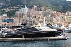 Большие яхты в порте Геркулеса в городе Монако Стоковая Фотография