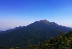 Больший взгляд сверху горы стоковые фотографии rf