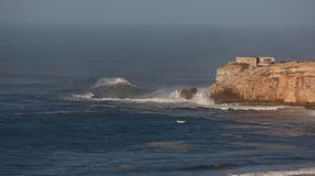 Большинств гигант развевает Nazaré - Португалия Стоковое Изображение RF