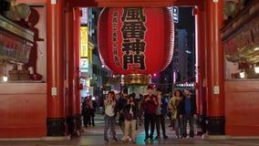 Большинств известный висок в токио - висок Senso-Ji на ноче - ТОКИО/ЯПОНИЯ - 12-ое июня 2018 сток-видео