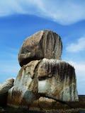 2 больших штабелированного камня Размещенный в Koh Lipe, Таиланд Стоковая Фотография RF