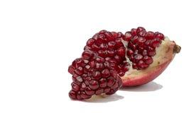 Большое зрелое красное Granets или венисы Плодоовощи красного зрелого гранатового дерева на белой предпосылке Стоковая Фотография RF