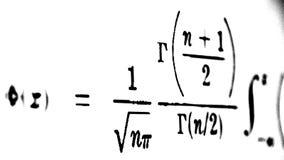 Большое количество математических формул на белой предпосылке стоковое изображение