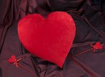 Большое красное сердце и маленькие сердца, день ` s валентинки Стоковые Фотографии RF