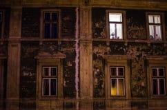 Большое старое здание в городе Стоковая Фотография