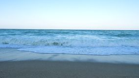 Большой взгляд волн в море сток-видео
