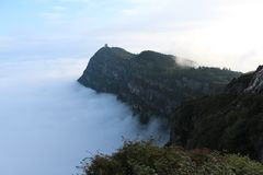 Большой взгляд моря облаков на mt Emei стоковая фотография
