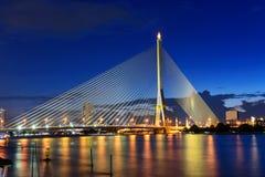 Большой висячий мост во времени захода солнца Стоковые Фото
