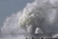 Большой выплеск волны моря Стоковая Фотография RF