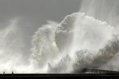 Большой выплеск волн Стоковые Фотографии RF