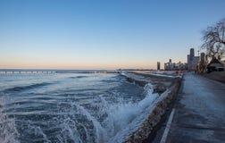 Большой горизонт длинное Lake Michigan города стоковые изображения rf