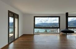 большой живущий панорамный взгляд комнаты стоковая фотография rf