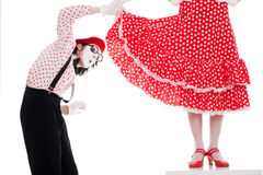 большой интерес платья смотря человека под womans Стоковые Изображения
