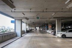 Большой интерьер автостоянки Стоковые Фотографии RF