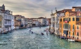 Большой канал в вечере в Венеции, Италии стоковые изображения
