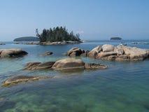 большой маленький пруд камушков Стоковые Фотографии RF