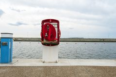 Большой пожарный рукав на большом порте стоковые изображения
