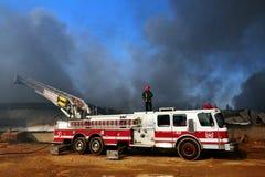 Большой пожар в химическом заводе Стоковые Фото