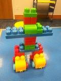 Большой робот блока стоковые изображения rf