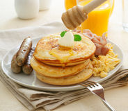 Большой сердечный сваренный завтрак Стоковые Фотографии RF