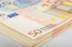 Большой стог 50 счетов евро стоковое фото