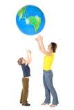 большой сынок мати изолята глобуса бросает вверх Стоковая Фотография