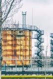 Большой танк для хранения нефтяных продуктов и топлива Стоковая Фотография RF