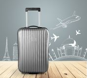 Большой чемодан перемещения на предпосылке Стоковое Изображение RF