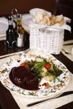 большой шикарный стейк ресторана плиты Стоковое Изображение RF