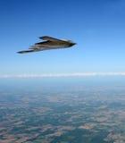 Бомбардировщик скрытности в полете Стоковые Фотографии RF