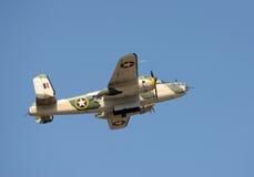 Бомбардировщик эры Второй Мировой Войны в полете Стоковое фото RF