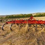 Борона на вспаханном поле Стоковые Фотографии RF