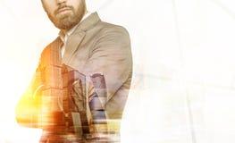 Бородатые бизнесмен и город Москвы Стоковая Фотография RF